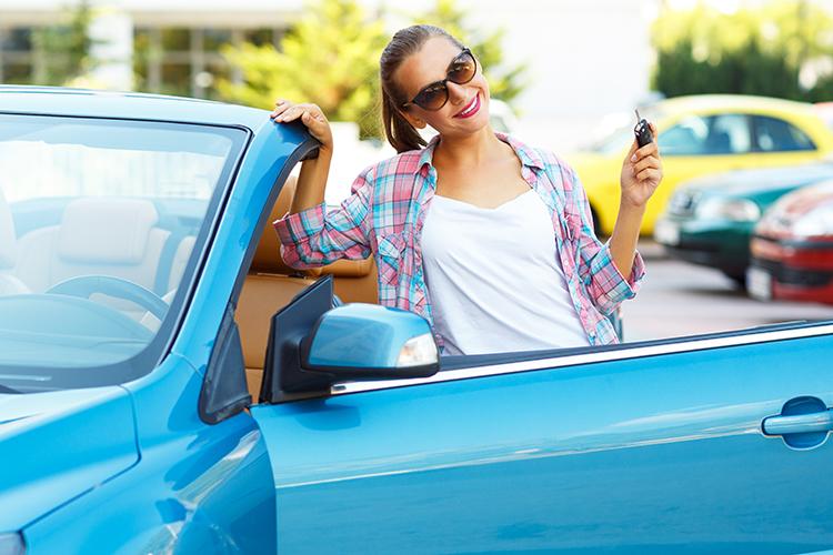 Pour votre première voiture, CBC vous propose une assurance auto spécialement conçue pour les jeunes.