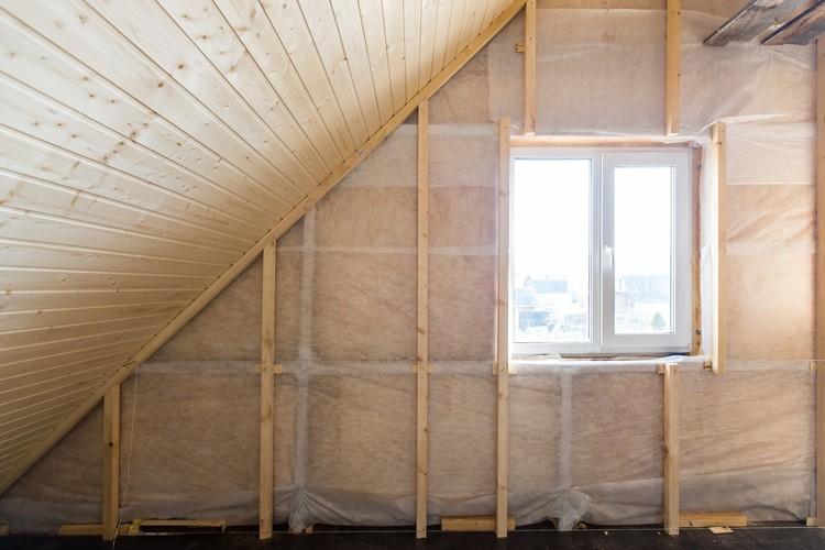 Emprunter de l'argent pour des frais imprévus dans la maison: isoleer je dak avec un prêt énergie verte